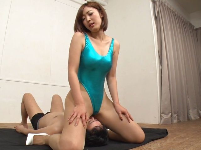 Mizuki Nao gets nailed properly by a large cock