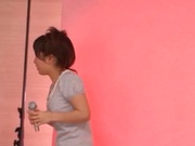 Pretty teen babe with tight body Minami Kojima gives a double blowjob