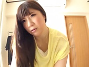 Sexy model Chitose Saegusa not shy to show her goodies
