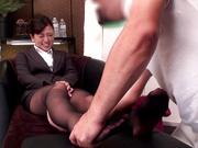 Nice milf Kanon Takikawa gets her nice legs massaged and pussy fucked