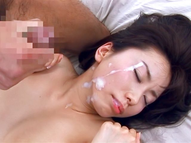 Busty babe Hina Hinami wants to swallow after smashing hardcore