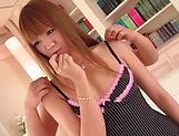 Hinano Momosaki gives an erotic hand job