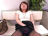 Horny MILF Nozomi Hazuki finger fucks her hairy pussy in public picture 11