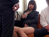Kasumi Risa loves a rear bonk in a train picture 13