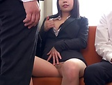 Kasumi Risa loves a rear bonk in a train picture 15