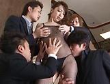 Izumi Tachibana enjoys a kinky fingering