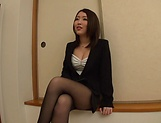 Kamihata Ichika enjoys sucking shaft picture 12