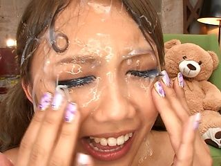 Takimoto Arisa enjoys sucking that large wang