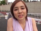 Aimi Yoshikawa sucks and strokes really good