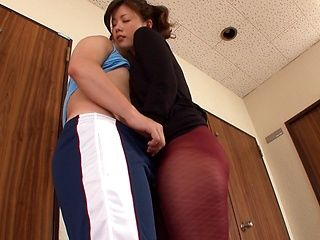 Horny housewife gives a steaming hot blowjob