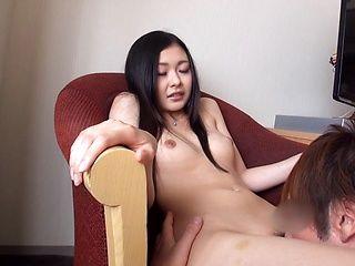 Kawamura Maya loves a huge cock in her