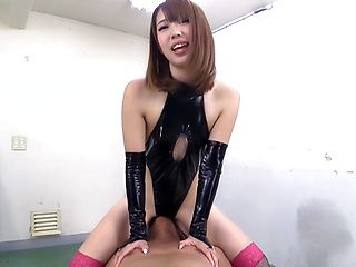 Seira Matsuoka enjoys the art of domination