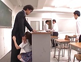 Hirose Riria  enjos a raunchy action in the classroom picture 6