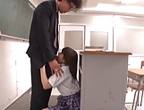 Hirose Riria  enjos a raunchy action in the classroom picture 8