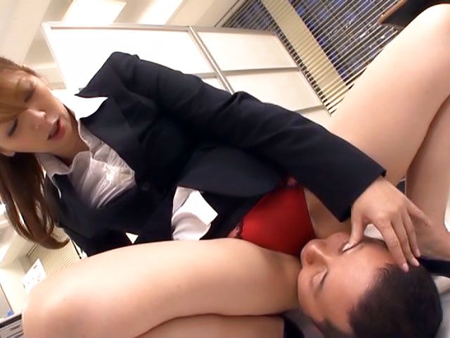 Cute Chisato Shohnda sucks cock passionately