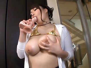 Chitose Saegusa, Japanese milf in mini bikini enjoys dildo play