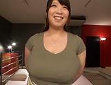 Amayoshi Shizuku enjoys a steamy pussy lickicng picture 12