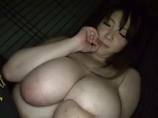 Amayoshi Shizuku has some wonderfull skills in an erotic show