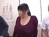 Hot milf Amayoshi Shizuku gives a kinky double blowjob.