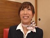 Nanahara Akari enjoys her cunt stretched