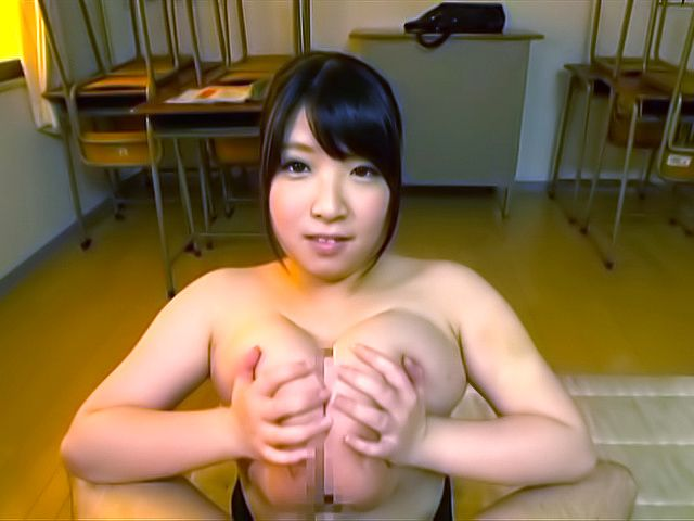 Amayoshi Shizuku makes a dude cum with her boobs