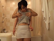Titjob experience in the tub along busty Tsukada Shiori