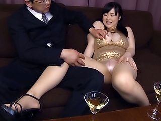 Amazing Mikoto Yatsuka has her hole nailed