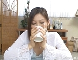 Chihiro Hara Gives A Good Handjob To Her Partner picture 4