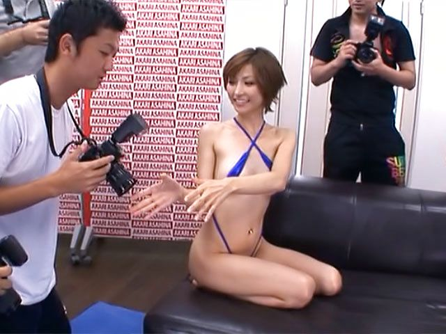 Akari Asahina sensual Asian milf in hot threesome in public