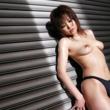 Hitomi Yoshino - Picture 23
