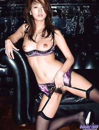 Honoka Is A Sexy Model Who Shows Off Her Hot Body in Lingerie
