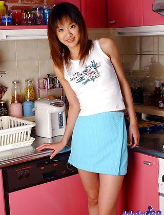 Izumi Lovely Asian Model Enjoys Showing Her Tight Ass Off