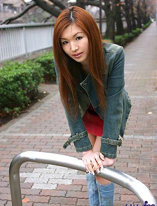 Mai Hanano Beautiful Asian Model Shows Off Her Nice Tits