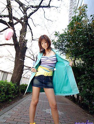 Maki Hot Asian Model Who Definitely Loves Her Sexy Job
