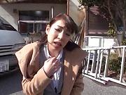 Sexy bimbo Mio Kayama gets her pussy fingered