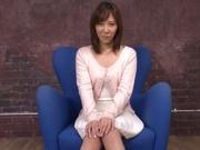amateur milf shows off masturbating on cam