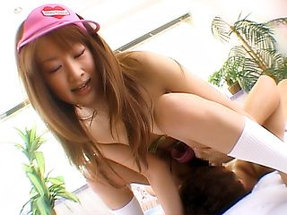Monna Suzue makes wonders with her hairy twat