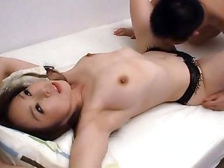 Mature cougar shows of her skills in bed