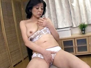Chizubu Terashima mature Asian lady in solo masturbation