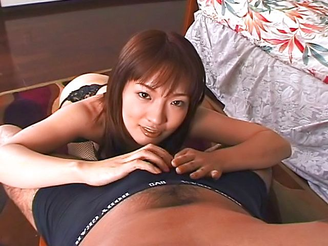 Sexy big ass mature gives a hot blowjob.