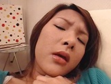 Finger fucking solo scenes with horny mature Japanese model picture 14