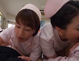 Three Asian nurses give patients special treatment picture 15
