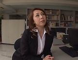 Kazama Yumi gets her twat fucked and creamed