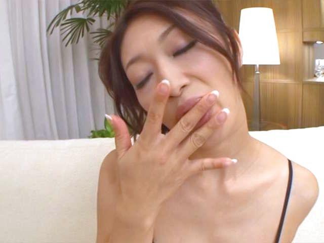 Horny babe in sexy lingerie Reiko Kobayakawa likes it solo