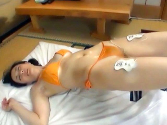 Hibiki Ririko, arousing mature Asian gets massage and a banging