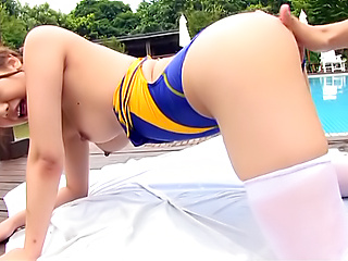 Namiki Anri enjoys a huge cock deep her twat