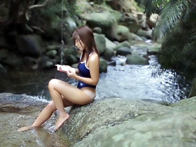 Asian teen, Rui Hasegawa squirts in outdoor sex play