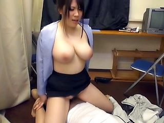 Lovely milf expertly rides a stiff shlong