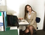Kiriyama Anna nailed superbly at the office picture 12