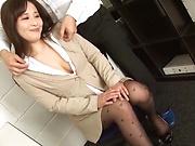 Kiriyama Anna nailed superbly at the office